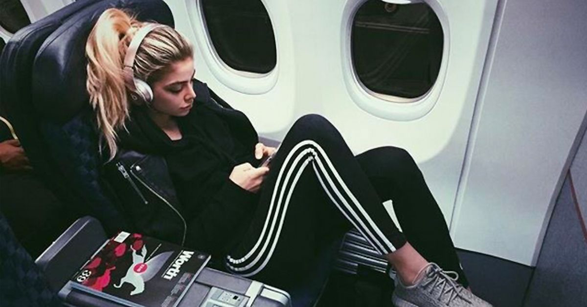 2ec8e1c6956 12 Things Women Should Wear While Flying (12 They Shouldn't)