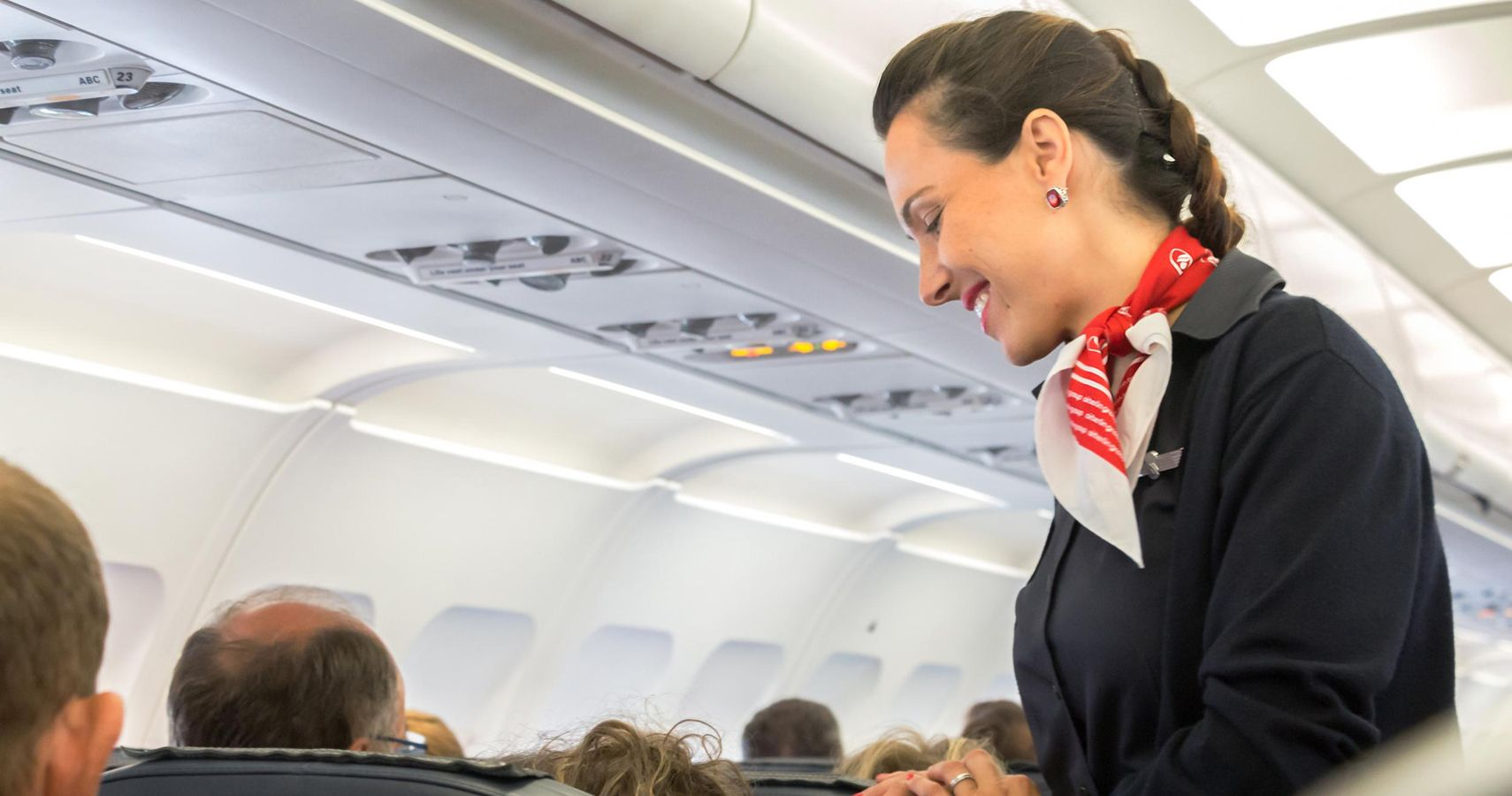 Frontier Airlines Flight Attendants Now Accepting Tips