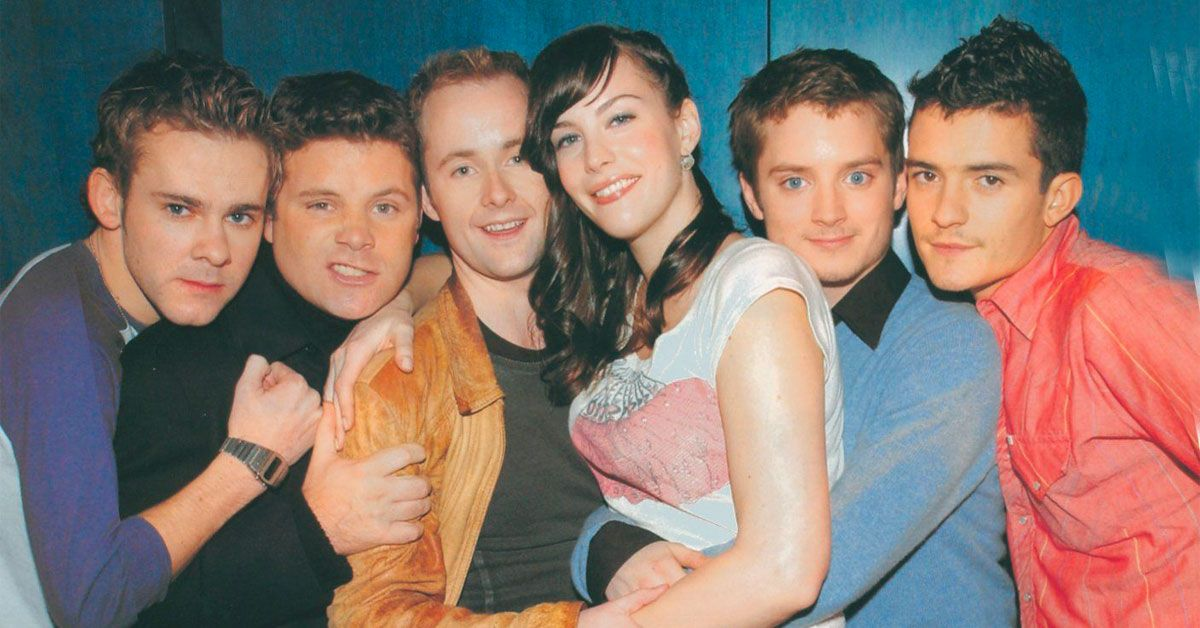 Lord Of The Rings: 25 Images Of The Cast Looking Totally Normal