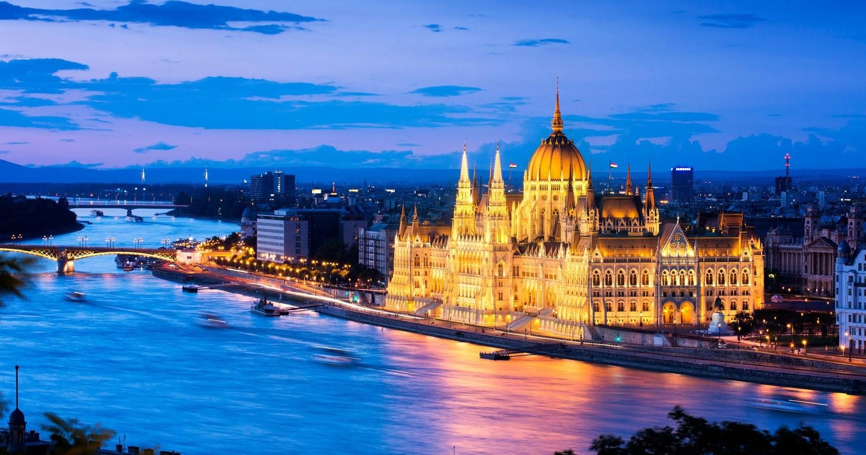 10 great reasons to visit budapest, hungary | thetravel
