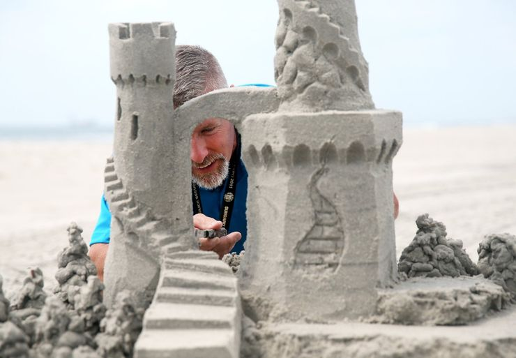 Germany Holds The Record For The Biggest Sandcastle, So Here Are Some  Professional Tips For Making Your Own