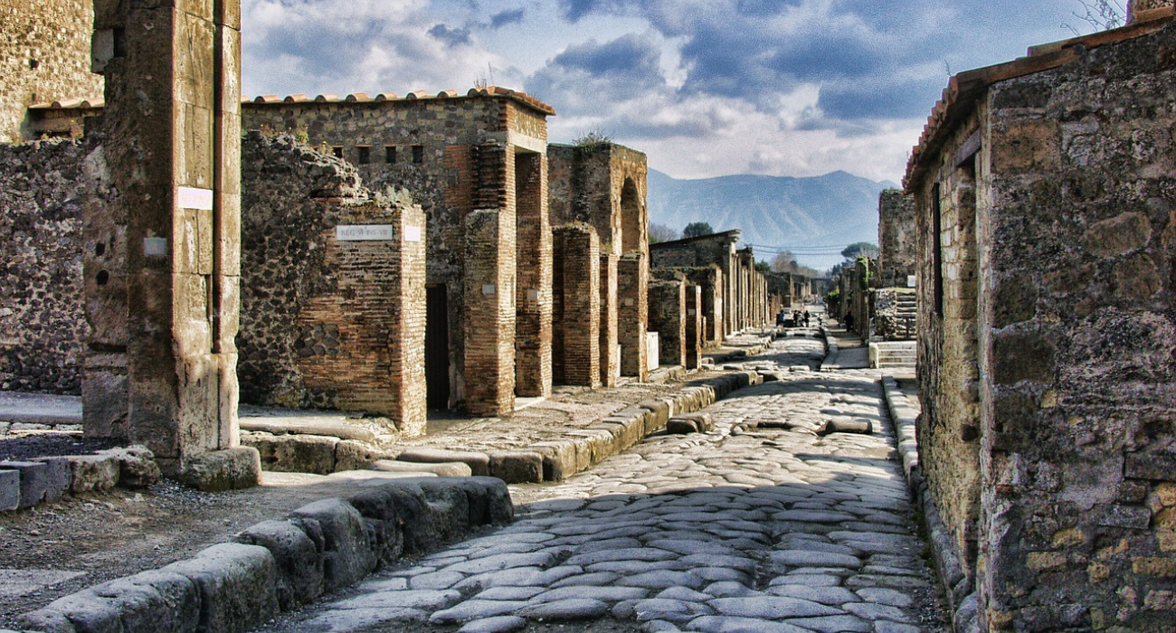 How To Visit Pompeii, And Why Everyone Should (Especially Herculaneum)