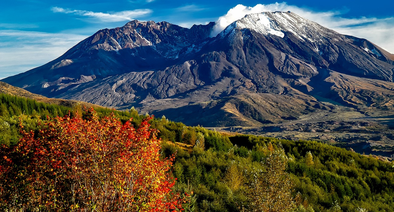 What To Know About Visiting The Beautiful (But Once Dangerous) Mount St. Helens